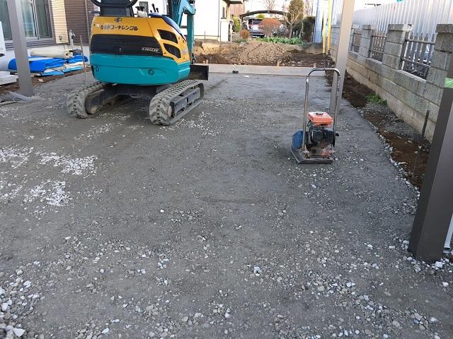 駐車場 施工中 路盤
